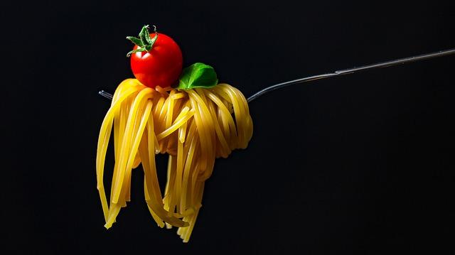 ASMR FOOD: cos'è? La nuova moda dei video mentre si mangia