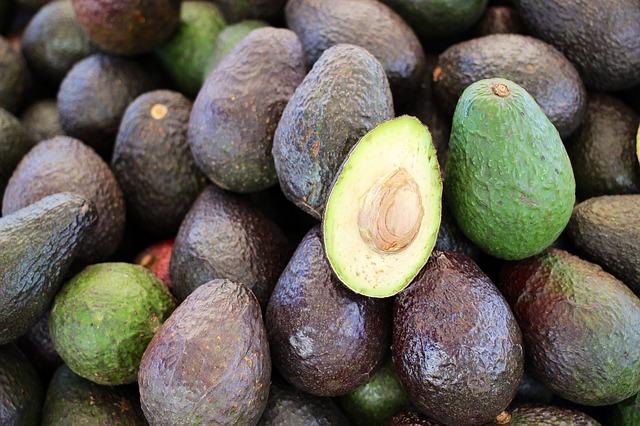 Tè all'avocado: come prepararlo e quali sono i suoi benefici